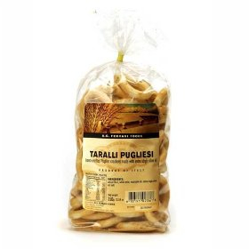 Taralli -- olive oil crackers shaped like little bagels -- are a savory traditional snack served with wine in Puglia, Italy.