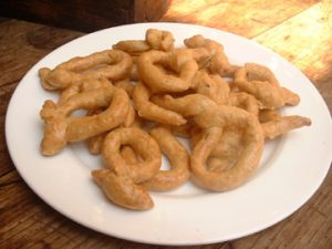 Taralli Pugliese, shown here at Babbo Ristorante in NYC, are neat olive oil crackers that shine with wine. (Photo Babbo NYC)