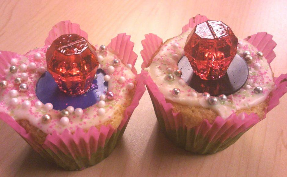 ring_pop_cupcakes